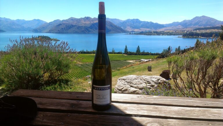lake rippon wine